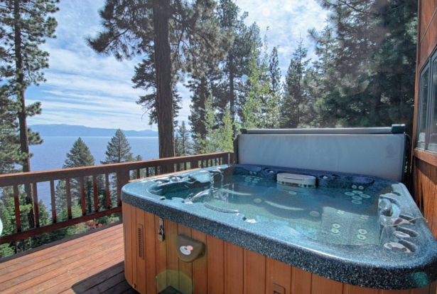 Local Luxury Lake View Rental